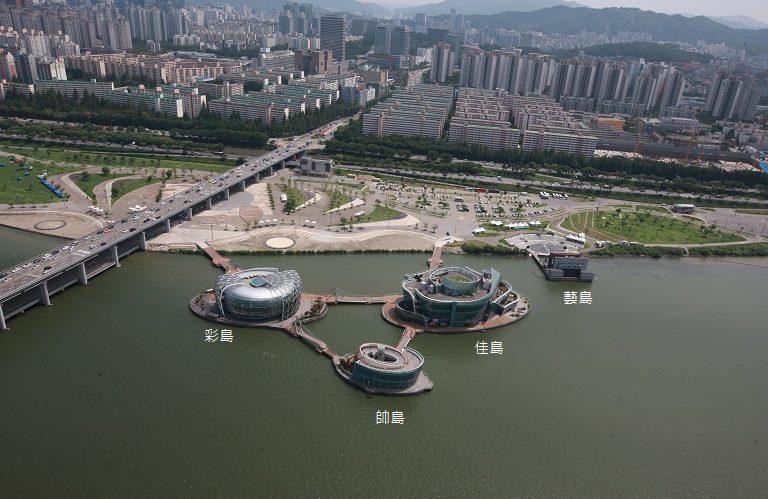 首爾自由行-韓國自由行-韓國旅遊-首爾景點-韓國機票-取圖自三島的官方網頁與盤浦漢江公園連接彩島帥島和佳島中間的三角位