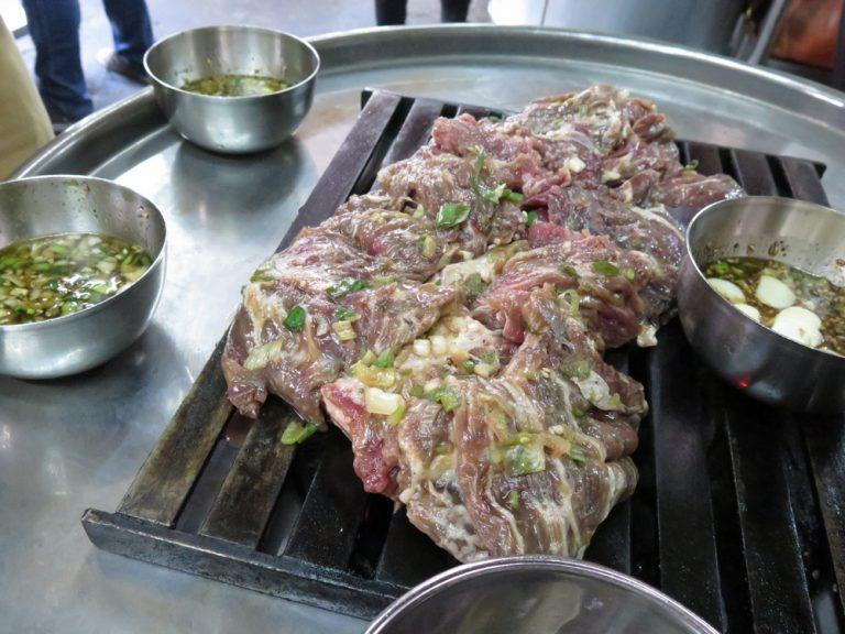 首爾自由行-韓國自由行-每人都有蒜頭蔥花甜醬油惹味但又不重口味