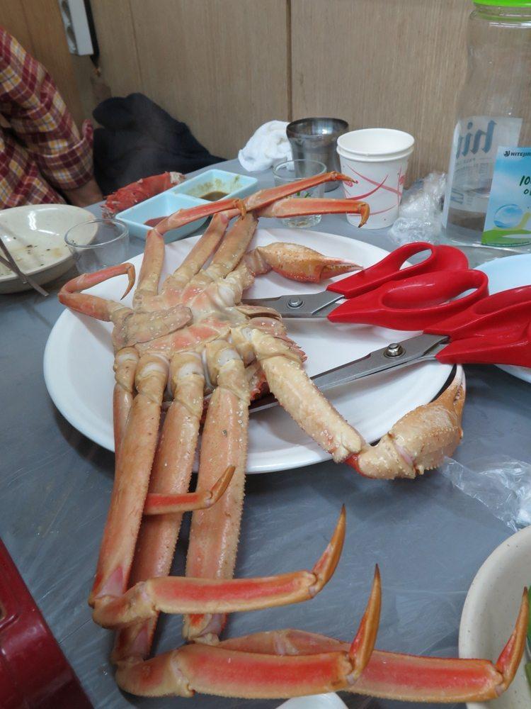 首爾自由行-韓國自由行-整條都是肥而結實的蟹腳一如所料非常鮮甜一口氣便吃了幾隻