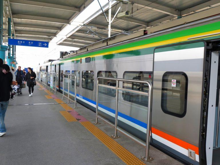首爾自由行-韓國自由行-韓國旅遊-首爾景點-韓國機票-轉眼到達加平站