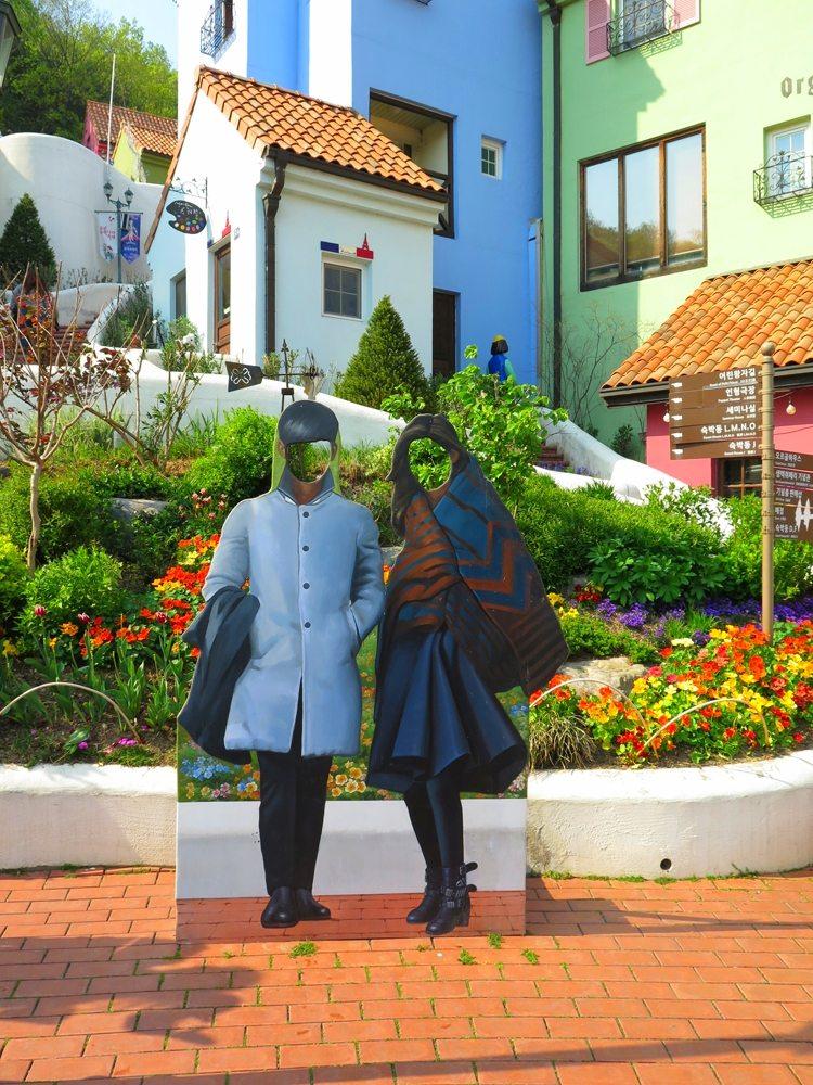 首爾自由行-韓國自由行-韓國旅遊-首爾景點-韓國機票-韓劇迷應很清楚這對是誰吧