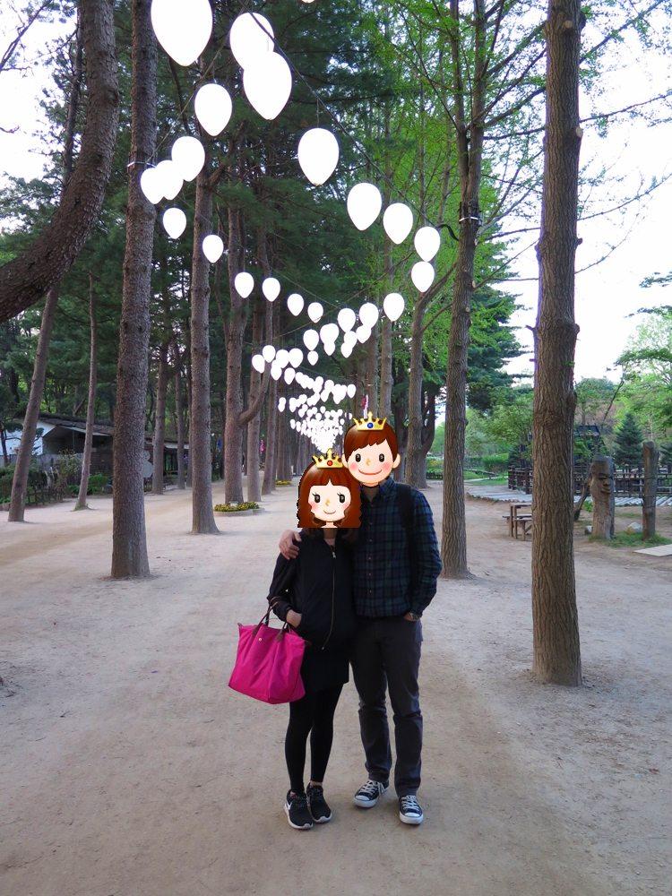 首爾自由行-韓國自由行-韓國旅遊-首爾景點-韓國機票-南怡島最有名的首推銀杏路,兩小口子於此手拖著手漫步,實是非常浪漫
