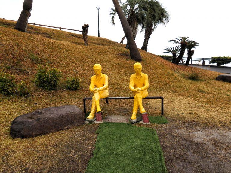 九州自由行-鹿兒島自由行-日本機加酒-福岡自由行-福岡景點-園內大量影相位,可惜落雨濕濕,未有與他們一起selfie