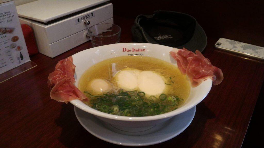 東京自由行-日本自由行-東京必食-我真係食咗兩次呢碗芝士麵同頭先上面幅圖唔同樣喔