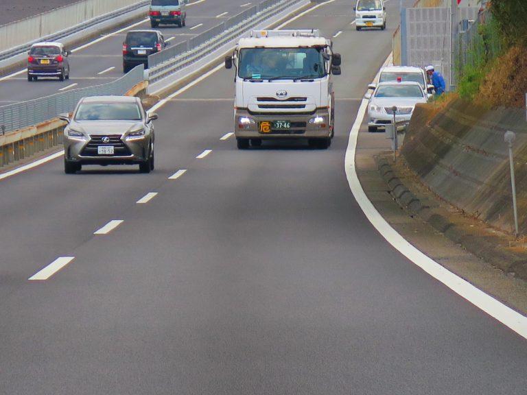 東京自由行-東京必去-東京景點-東京旅遊-看到圖中的隱形戰車嗎?又一部中招了,別超速