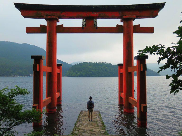 東京自由行-東京必去-東京景點-東京旅遊-蘆之湖必影,海邊的島居,有點廣島感覺啊
