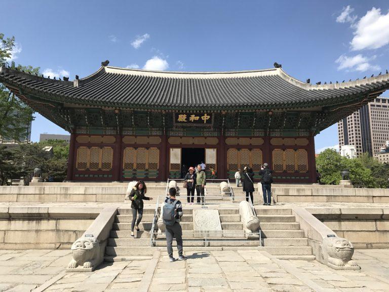 德壽宮內還有傳統的宮殿這是當時用作舉行國家活動的宮殿-首爾自由行-韓國自由行-韓國旅遊-首爾景點-韓國機票