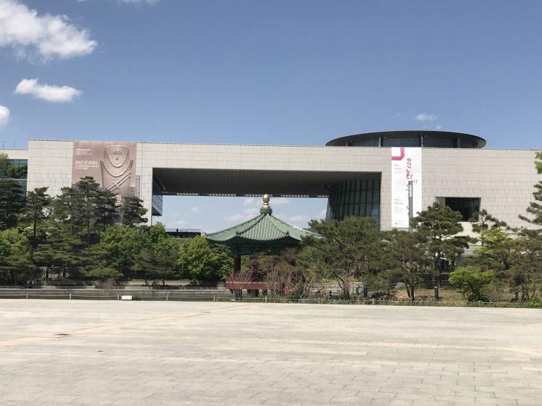 這裡是位於4號線二村站的國立中央博物館-首爾自由行-韓國自由行-韓國旅遊-首爾景點-韓國機票