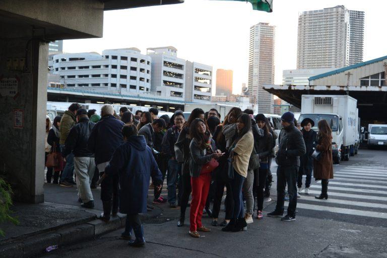 東京自由行-東京景點-東京旅遊-東京住宿-東京機票-築地超多人