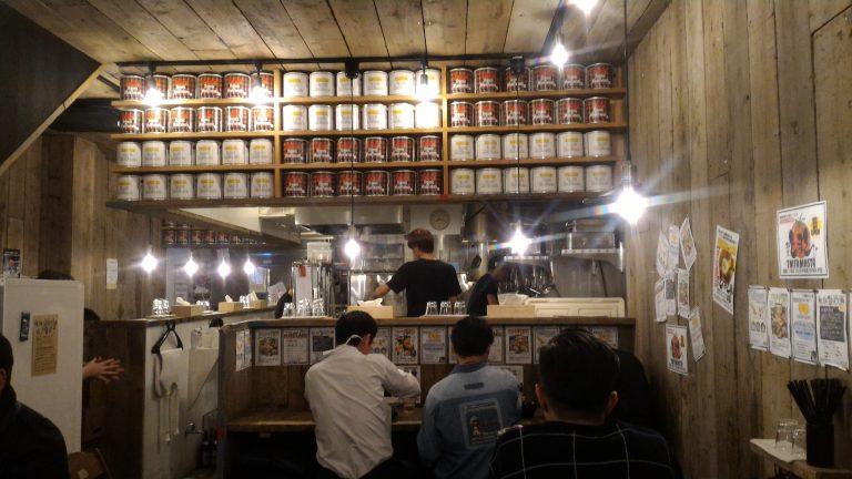 九州自由行-鹿兒島自由行-店內也貫徹用木的風格