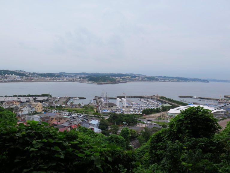 東京自由行-東京機票-東京旅遊-東京景點-東京住宿-東京必去-從餐廳內欣賞江之島對岸的景色
