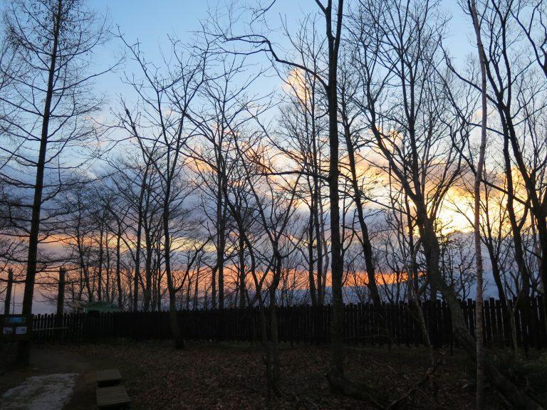 北海道自由行-北海道旅遊-北海道旅遊景點-那晚才知道原來這些雲正在蘊釀著下雪