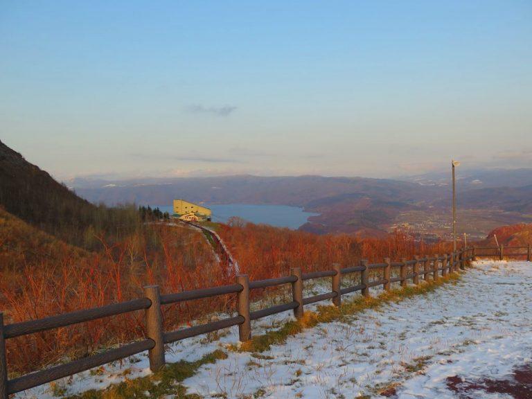 北海道自由行-北海道旅遊-北海道旅遊景點-另一旁的「洞爺湖展望台」