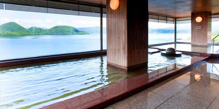 北海道自由行-北海道旅遊-北海道旅遊景點-溫泉位於旅館的頂樓