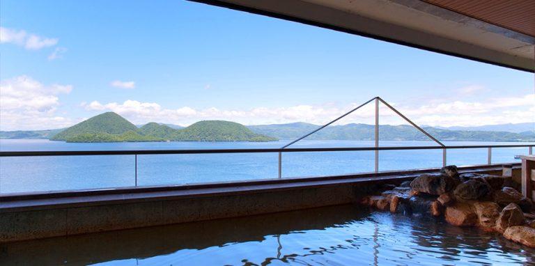 北海道自由行-北海道旅遊-北海道旅遊景點-浸溫泉時可以俯瞰洞爺湖景色