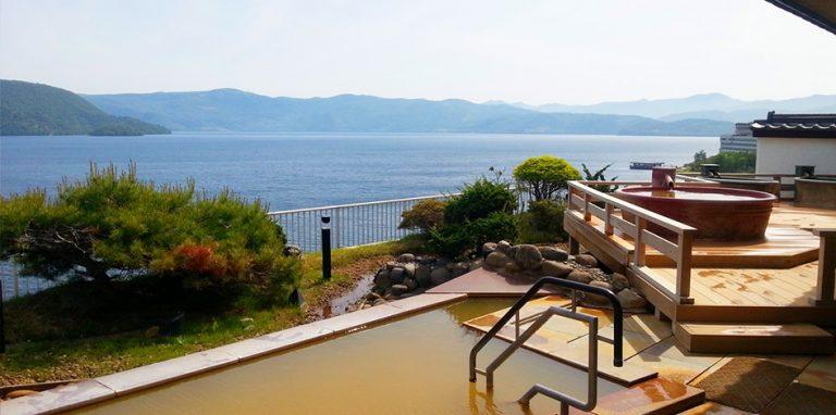 北海道自由行-北海道旅遊-北海道旅遊景點-露天風呂及幾個獨立的木筒小池