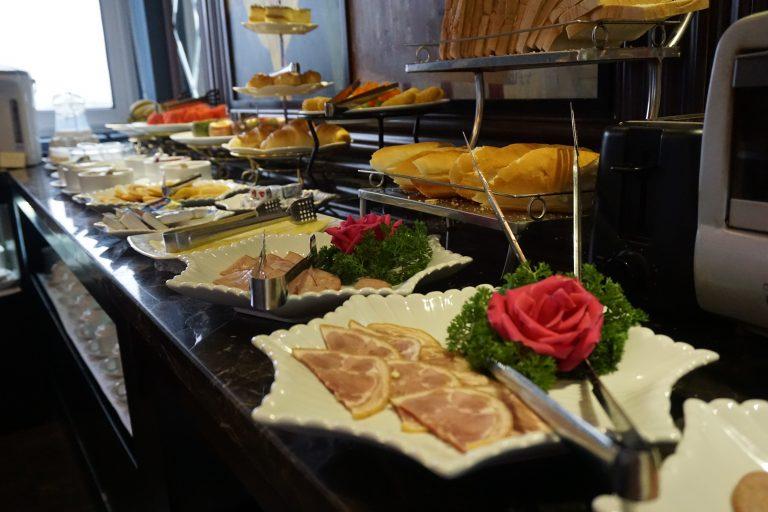 breakfast-sereneboutiquehotel-goflyla