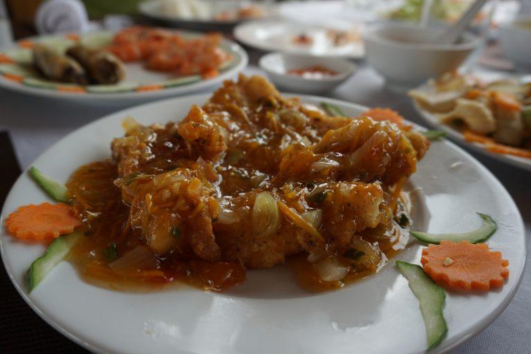 fish-halongbay-goflyla