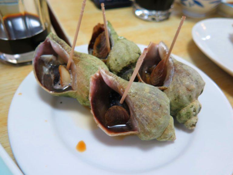 北海道自由行-北海道旅遊-北海道旅遊景點-肉質新鮮爽口的烤螺,配杯啤酒,一流