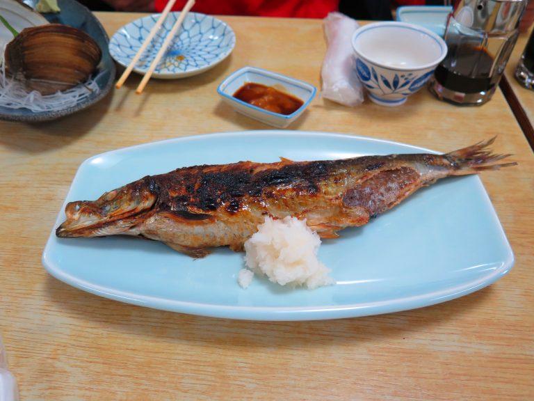 北海道自由行-北海道旅遊-北海道旅遊景點-鯡魚燒得香口,肉質鮮甜,價廉物美
