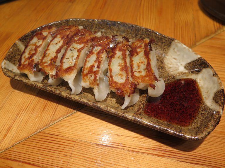 北海道自由行-北海道旅遊-北海道旅遊景點-餃子煎得香脆可口,好味