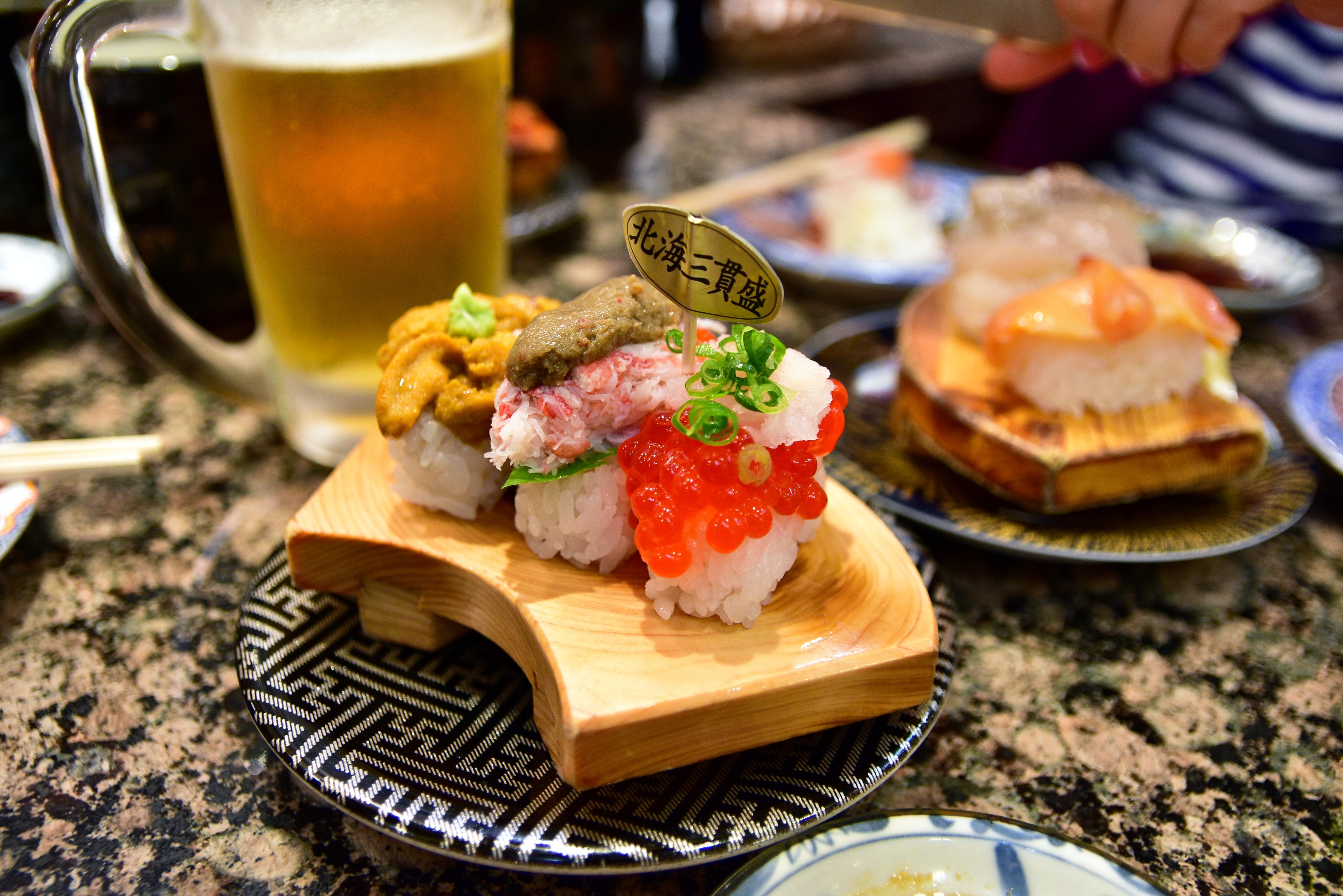 鳥取自由行-北海道三異盛,包括三文魚子、蟹棒連蟹膏及海膽