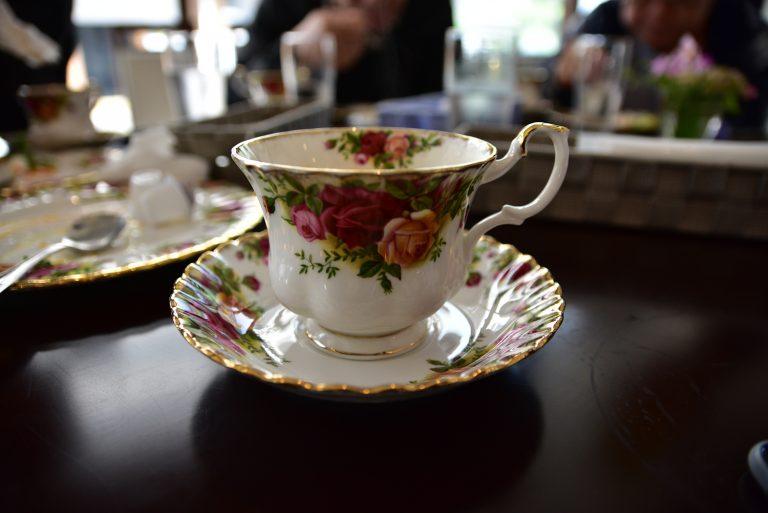 鳥取自由行-這餐廳用的茶具很精美
