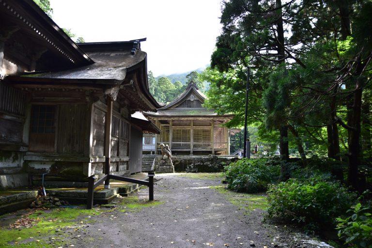 鳥取自由行-從側看大神山神社