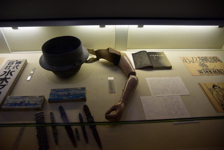 鳥取自由行-水木茂先生於二次大戰被國家徵召,在戰爭中失去左手