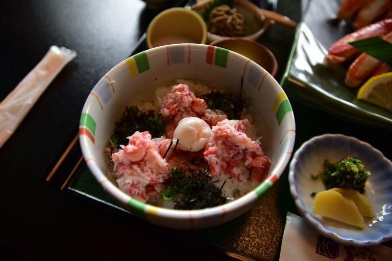 松江城-一分錢一分貨,紅楚蟹肉質不及松葉蟹般肥美及鮮甜,反而紅楚蟹丼倒也不錯
