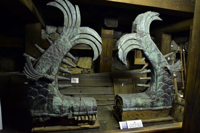松江城-現在的鯱是昭和時期重新製作的,舊的鯱則保存於天守內