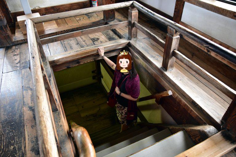 松江城-天守內的梯級都很窄,行走時也戰戰競競
