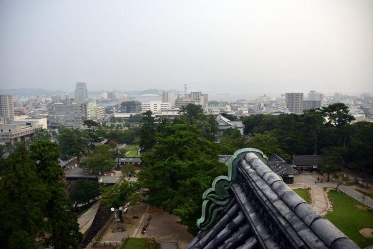 松江城-松江城內裡環境不大,其主要用途為瞭望、防禦用途