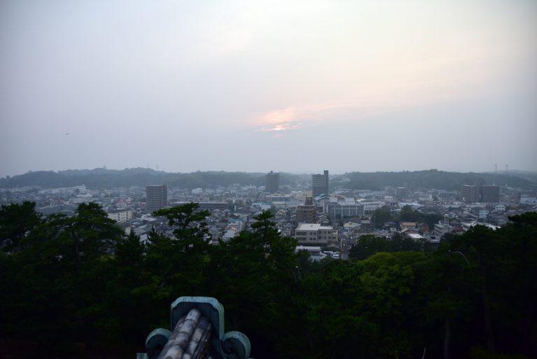 松江城-站在頂層,瞭望著整個松江城,實有大地在我腳下之感
