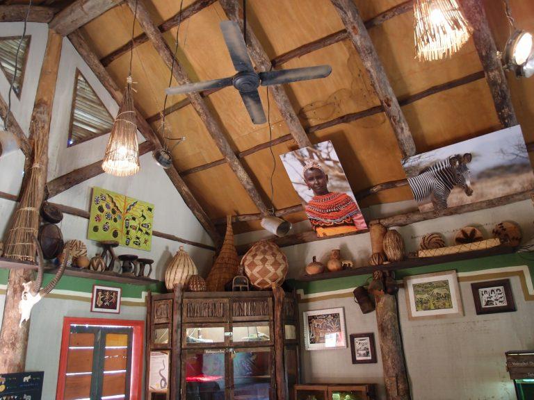 墨爾本景點-墨爾本自由行-melbournetour-動物園內設有非洲的部落小屋