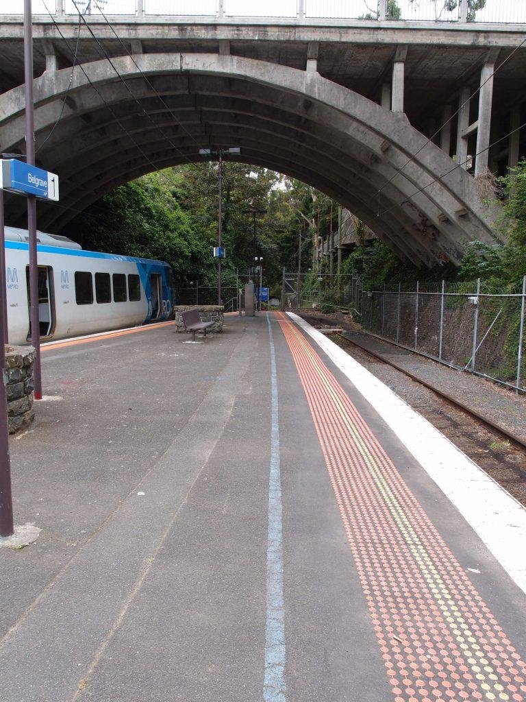 墨爾本景點-墨爾本自由行-melbournetour-到達Belgrave Station沿著藍線步行數分鐘到Puffing Billy車站