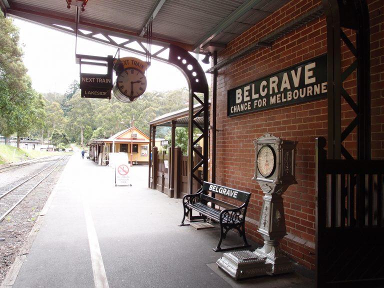 墨爾本景點-墨爾本自由行-melbournetour-非常有古典味的車站月台