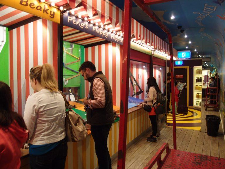 墨爾本景點-墨爾本自由行-melbournetour-這裡設有數個懷舊的攤位遊戲