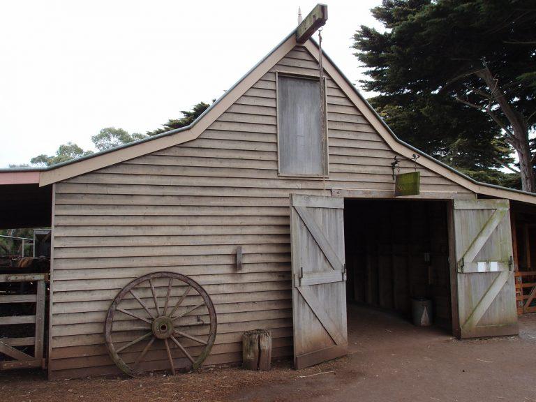 墨爾本景點-墨爾本自由行-melbournetour-修復的歷史建築如農舍、小屋讓旅客一窺早期澳洲移民的務農生活