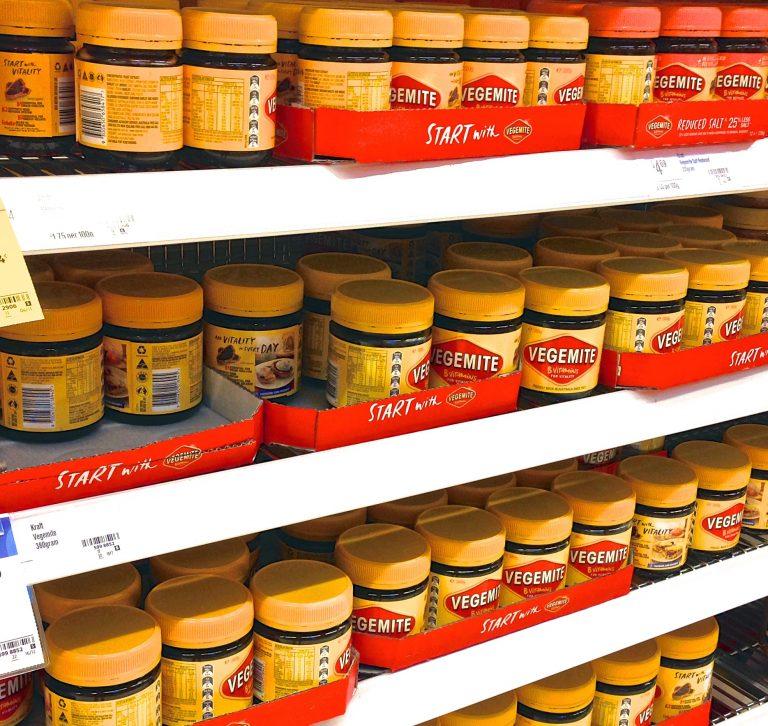 Sydney美食-澳洲旅遊推薦-在澳洲超級市場內輕易找到的Vegemite (網上圖片)