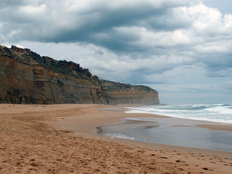 Melbournelocaltour-Melbourne天氣-澳洲旅遊推薦-墨爾本1 day 4 seasons, 之前還藍天白雲,來到這裡就烏雲滿佈