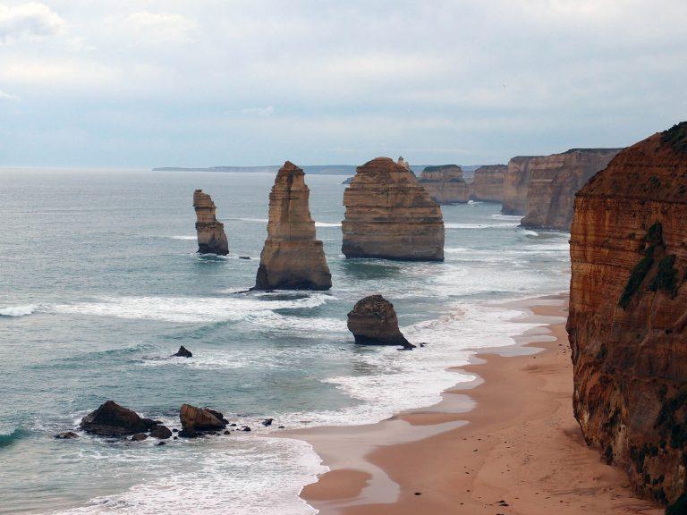 Melbournelocaltour-Melbourne天氣-澳洲旅遊推薦-舉世知名的十二門徒石終在我面前出現