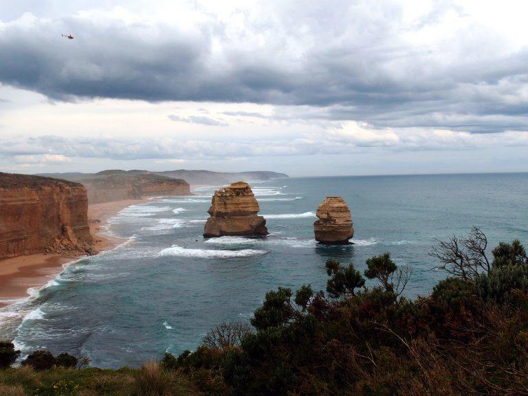 Melbournelocaltour-Melbourne天氣-澳洲旅遊推薦-前方就是Gibson step的沙灘