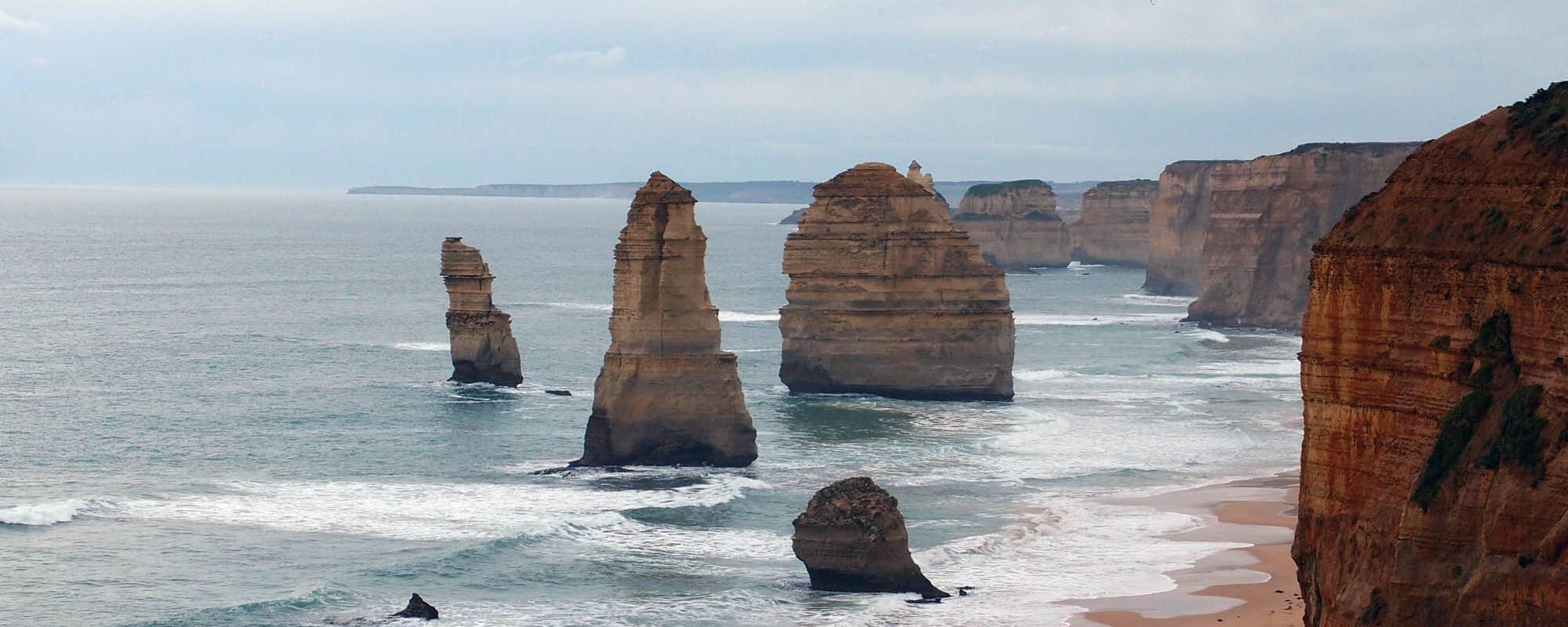 澳洲旅遊推薦!墨爾本郊區5大必遊熱門景點Melbourne Tour –最美公路The Great Ocean Road大洋路、十二門徒石