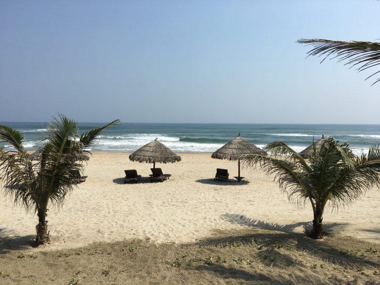 danang-mykhe-beach-goflyla