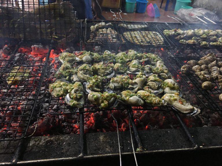 danang-mykhe-beach-seafood-goflyla