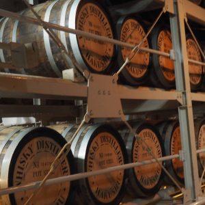 圖中為白州原酒存於木桶的地方